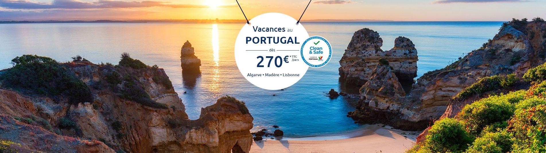 Plage en Algarve au coucher du soleil